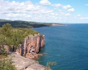 Palisade,_Shovel_Point_(cropped)
